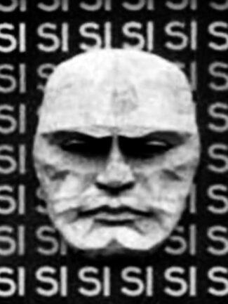 Particolare video Testa di Benito Mussolini terracotta